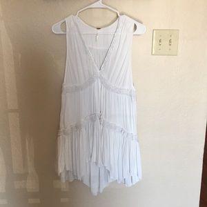 White sundress V - designed comfy soft material